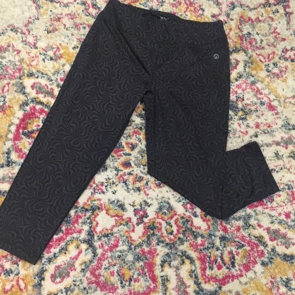 5354c8cb00 VOGO Athletica Pants | Vogo Capri Athletic Crop Black Grey L Yoga ...